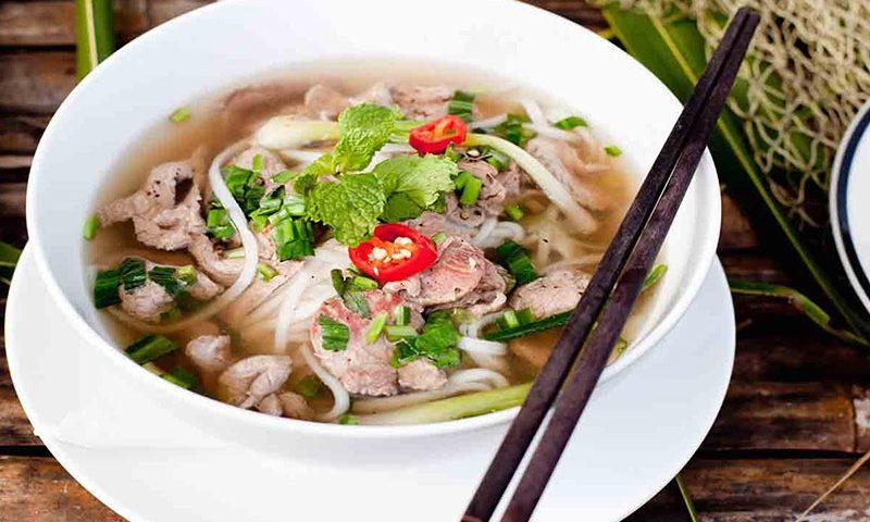 Đến Hà Nội, chắc chắn không thể bỏ qua ẩm thực đường phố