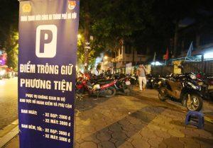 Gửi xe ở phố đi bộ Hà Nội