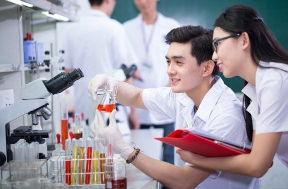Học cao đẳng Dược ra làm gì?
