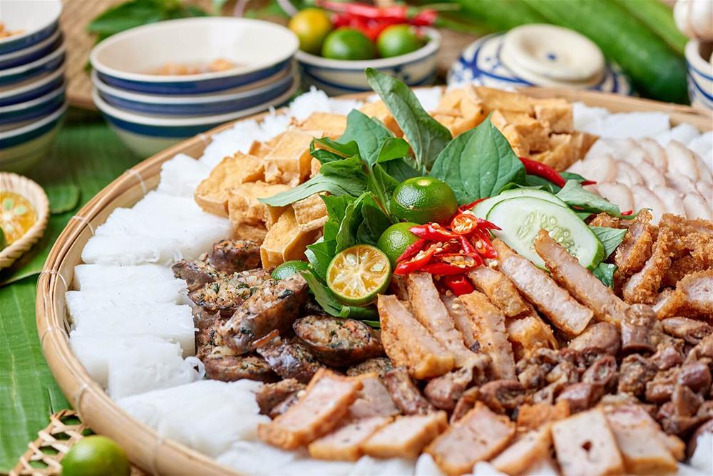 Món ăn nào ở Hà Nội khiến bạn dừng chân và địa điểm ăn uống Hà Nội nào nổi tiếng?